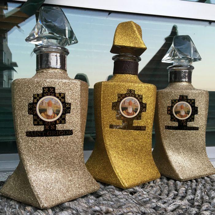 Saint Grigor Brandy Armenia 18yr W/ Glitter Design 750ml
